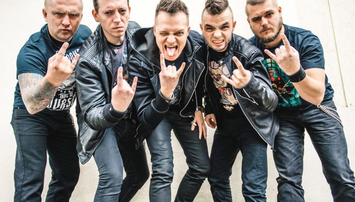 Booze & Glory, Nocny Kochanek, Łąki Łan, Romantycy Lekkich Obyczajów, Proletaryat, Skampararas kolejnymi zespołami Cieszanów Rock Festiwal 2018!