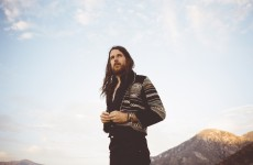 "Jonathan Wilson w klipie ""There's A Light"""