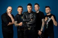 """Nocny Kochanek nadjeżdża... """"Nocnym pociągiem""""! Polska wersja kultowego numeru Guns N' Roses już dostępna!"""