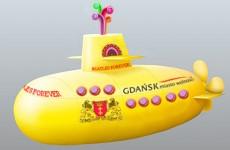 Żółta łódź podwodna na Motławie