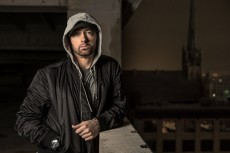 Eminem i Kehlani o dostępie do broni