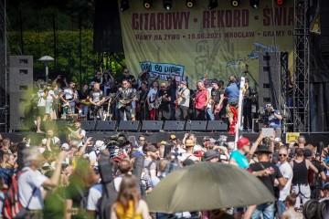"""Tysiące gitarzystów zagrało """"Hey Joe"""" we Wrocławiu i w sieci!"""